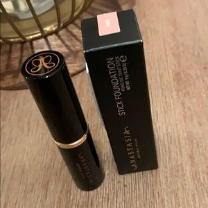 Anastasia Stick Foundation - NEW